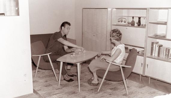 Dvosobno stanovanje tipa B v stolpnici na Livadi 1962