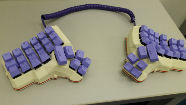 Dactyl manuform keyboard