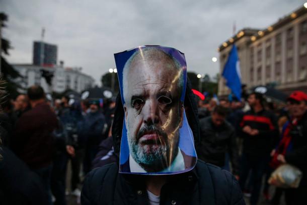 Protesti v Tirani